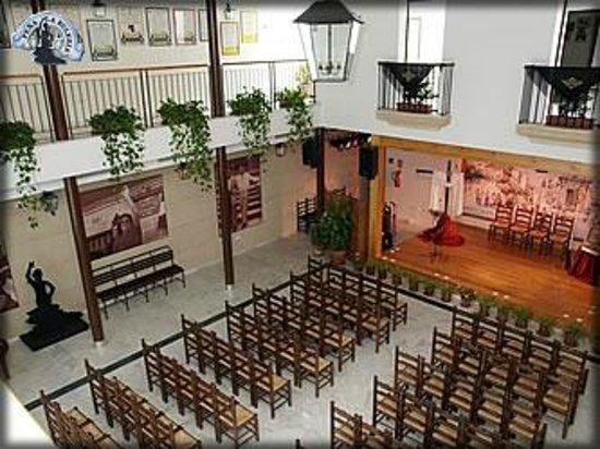 Pena Flamenca La Buleria : Interior Salón de Actos Flamencos.