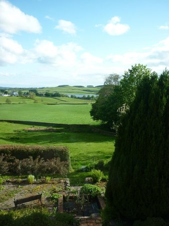 Airds Farmhouse B&B: Stunning Views