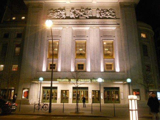 Théâtre des Champs-Élysées: Theatre des Champs-Elysees: exterior at night
