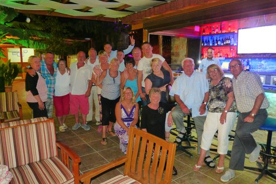 Gokcen Hotel & Apartments : the guests in happy mode
