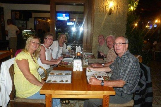 Gokcen Hotel & Apartments : enjoying a meal at the terras bar