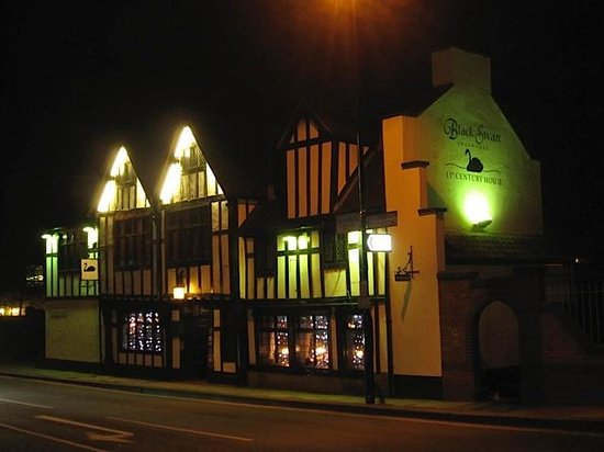 Black Swan Inn: Night Time View