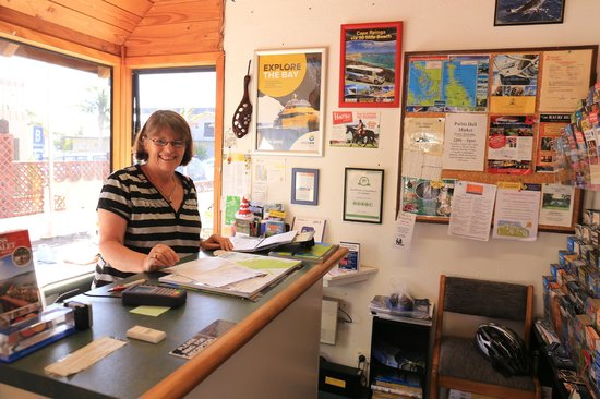 Swiss Chalet Lodge Motel: Friendly Maureen always smile to you