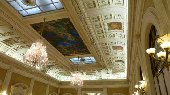 Grand Hotel & La Pace: very high ceilings with beautifull paintings