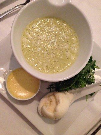 L'Estaminet: Asparagus soup
