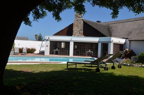 Whale Rock Luxury Lodge : pool