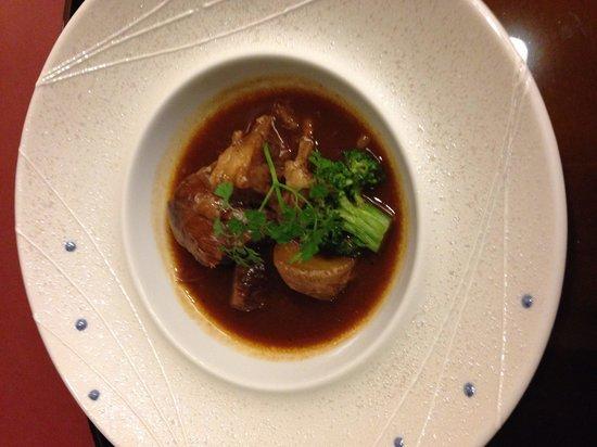 Akazawa Onsen Hotel: 26年2月 和食会席 牛スネ肉の煮込みは柔らかくて美味しかったです