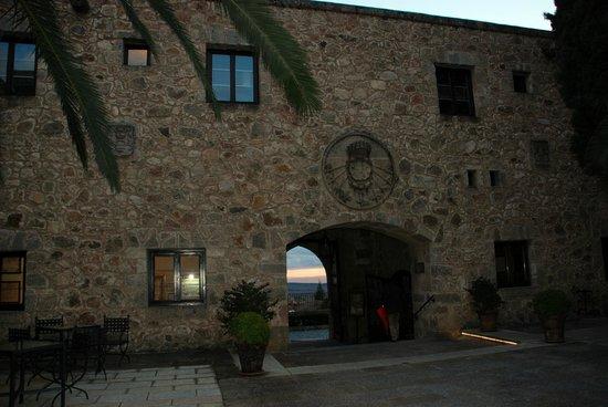 Parador de Jarandilla de la Vera: Patio del hotel.