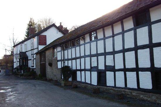 Riverside Inn at Aymestrey: The front of th eRiverside Inn