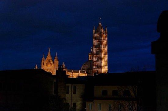 Hotel Duomo: vista dalla finestra del corridoio