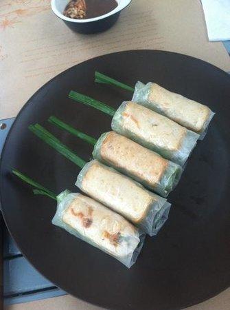Ru Restaurant: Veggie Spring Rolls!