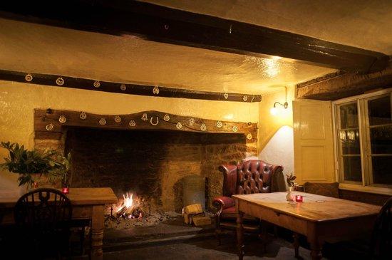 Ring O' Bells: Ubley Bar
