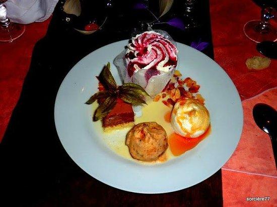 LE TROUBADOUR : Un assortiment de desserts