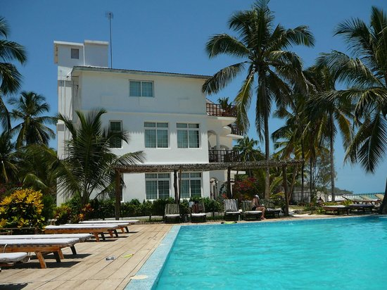 Dongwe Ocean View: Pool area
