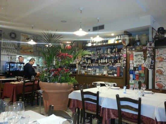 Trattoria Marinelli Da Vittorio : Sala