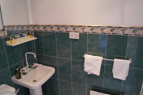 Maranatha House: BathRoom