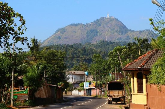 First glimpse of Ambuluwawa from Gampola