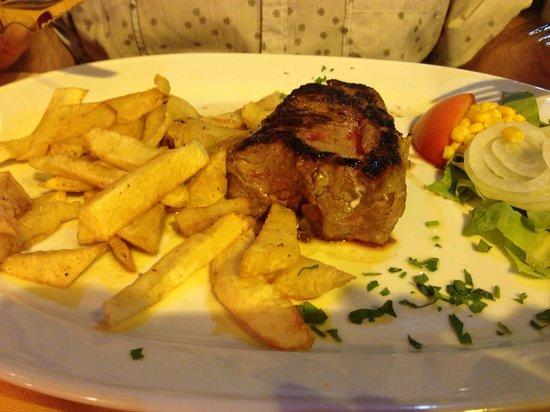Fado Rock Steak House: Mouth watering fillet steak
