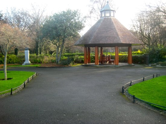 Parque St Stephen's Green: Bandstand at centre of the green.