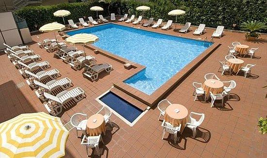 Hotel Giancarlo: Piscina
