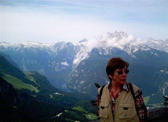 The Eagle's Nest : Blick hinab ins Tal und auf den Königssee