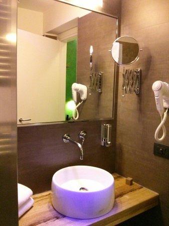 Biocity Hotel: Il bagno