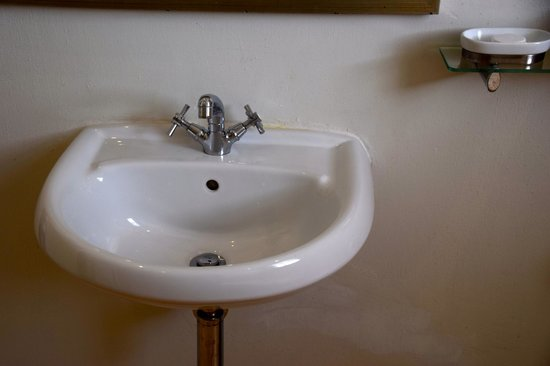 Cape Cadogan: Small sink in bathroom