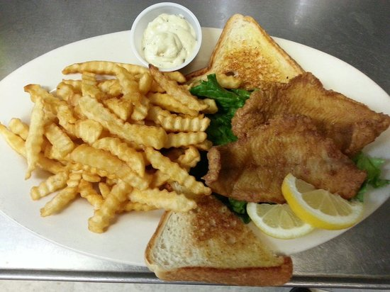 Westridge Grill: Try the catfish dinner!