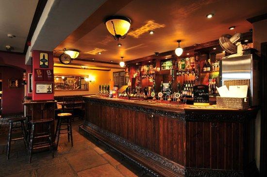 The Fleece Inn: main bar