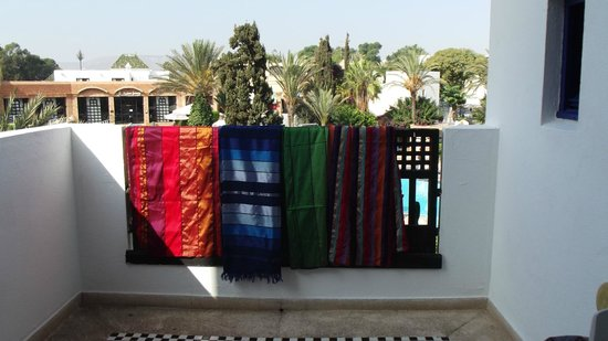 Agador Tamlelt: Das ist meine Balkon,die Tages decken habe ich im Souk gekauft