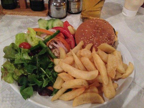 Andrews Restaurant: DELICIEUX HAMBUGER