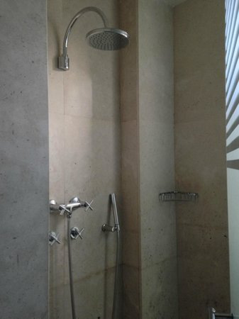 Villa Oniria: Shower room