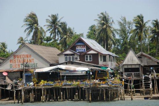 Maya Koh Lanta Resort: Town
