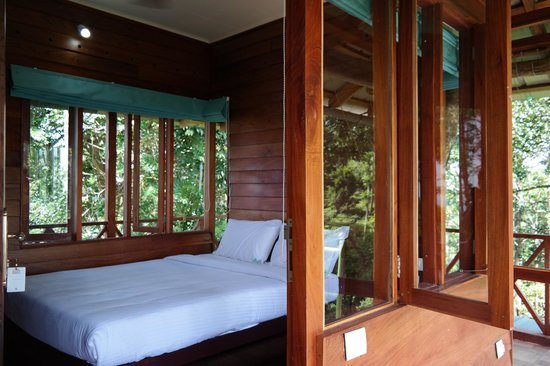 Dream Catcher Plantation Resort : inside the treehouse - nice and cosy