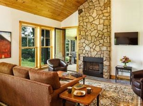 The Mountain Top Inn & Resort: Vacation home rental living room