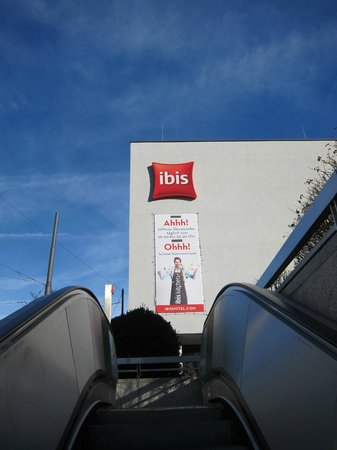 Ibis München City West: Metro station is right next to hotel