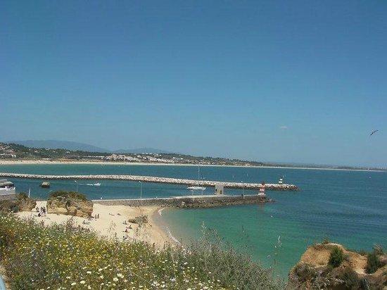 Across Praia da Batata to Meia Praia