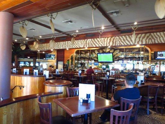 Elephant Bar & Restaurant: Elephant Bar