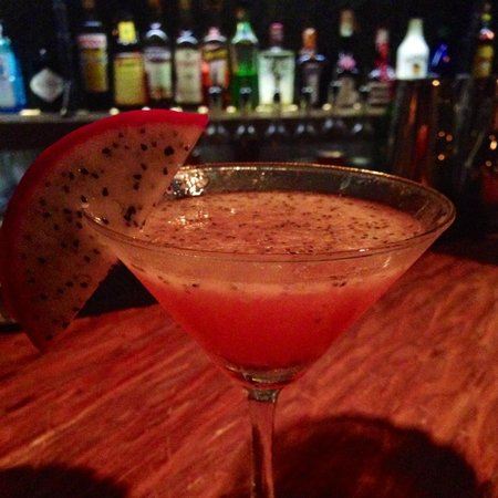 Eat Me Restaurant: dragon fruit martini
