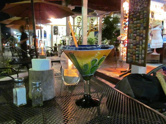 Woodys Bar and Grill: Great Drinks