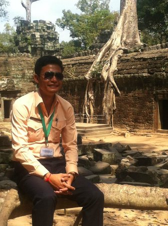 Chhayakim Private Angkor Wat Tours: Ta Phrom Temple