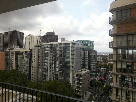 Cambridge Hotel Sydney: balcony view