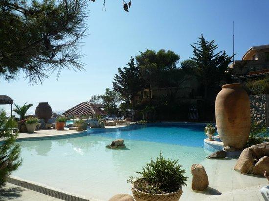 Hotel Eden Roc : Piscina e jardins