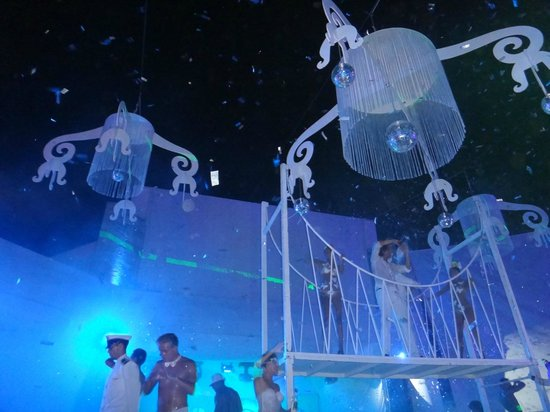Club Med Kemer: party