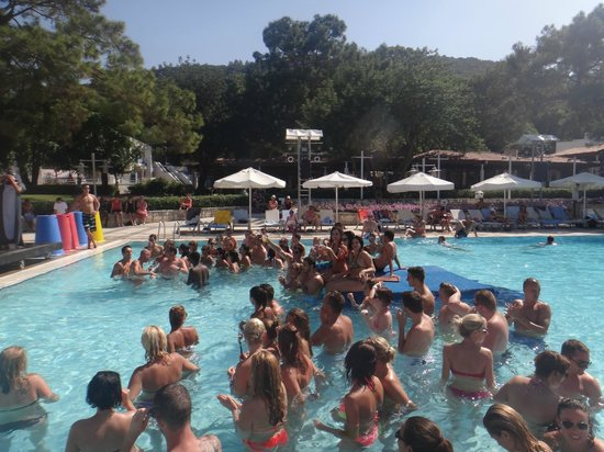 Club Med Kemer: pool party