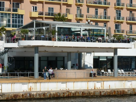 Hotel Fortina : Hotel sea front bar and restraunt