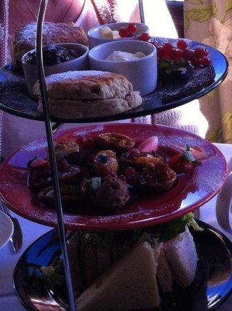 Warner Leisure Hotels Nidd Hall Hotel: afternoon tea