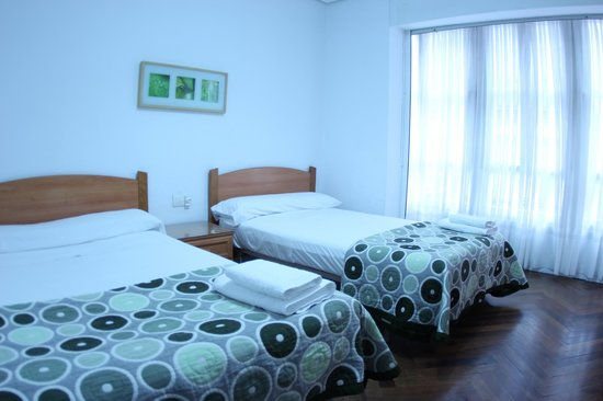 Zubia Urban Rooms: Habitacion