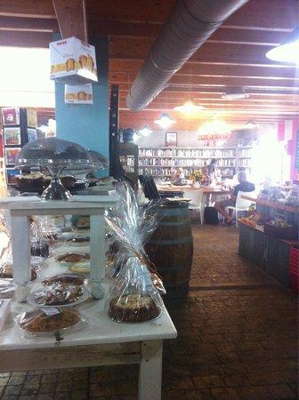 The Foodbarn Restaurant: Il negozio di prodotti alimentari dentro al negoZio