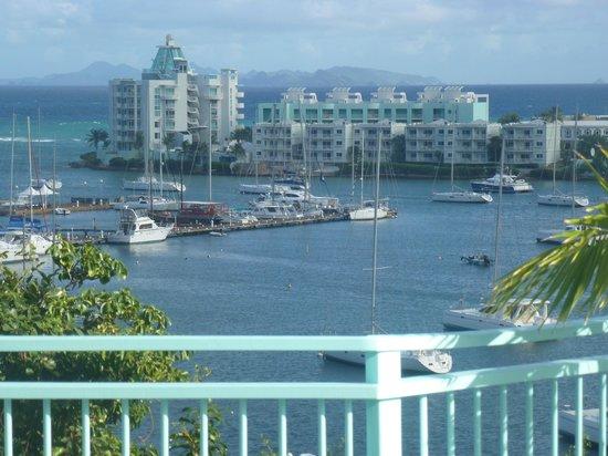 Villa Najro - Caraibes Evasion: vue de la terrasse sur la marina et l'ile de ST Barth
